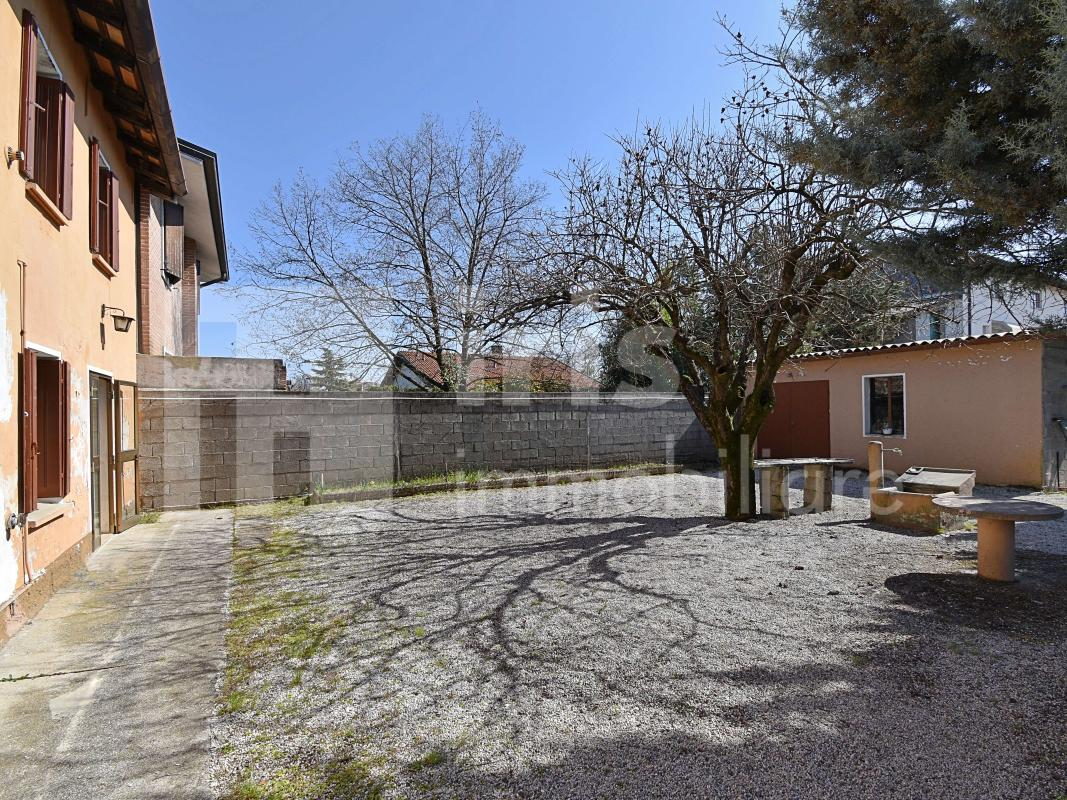 Casa a Flumignano - 73.000 €